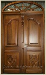 Двери и перегородки из массива дерева в Харькове.