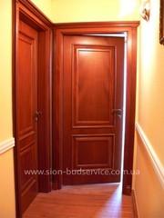 Двери распашные,  перегородки раздвижные из  дерева в Харькове.